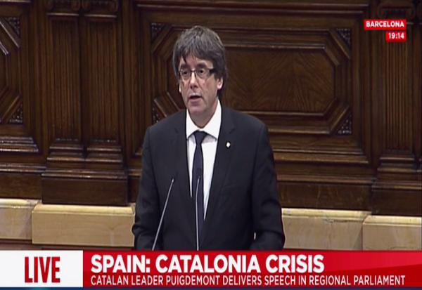 Каталонскиот претседател не прогласи независност  почнува преговори со шпанската влада