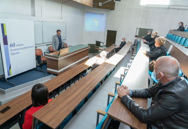 Економскиот факултет од Прилеп промовира оригинално истражување за влијанието на Ковид-19 врз малите бизниси во прилепската чаршија
