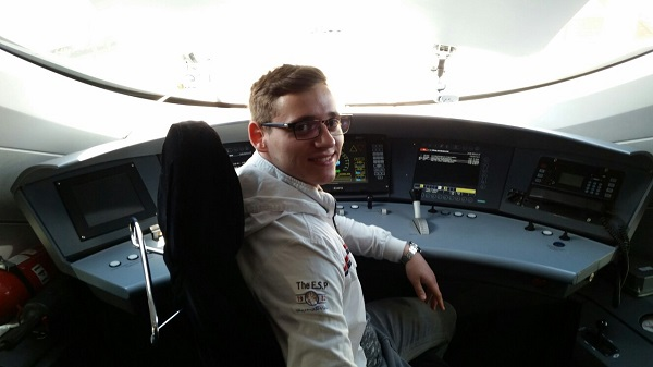 Живко Јанев студира во Москва и нa 21 година веќе има пет научни труда за железничкиот сообраќај