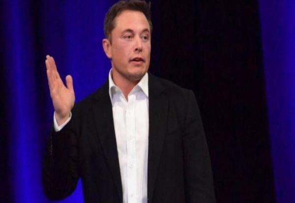 """Илон Маск не застанува: Нови планови на """"Спејс Екс"""" за 2018 година"""