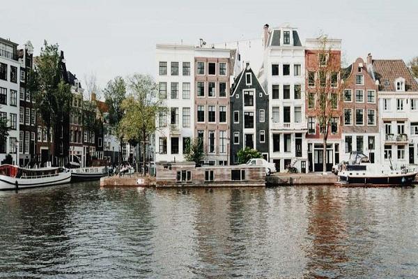 Платена пракса во областа на односите со јавноста во Холандија