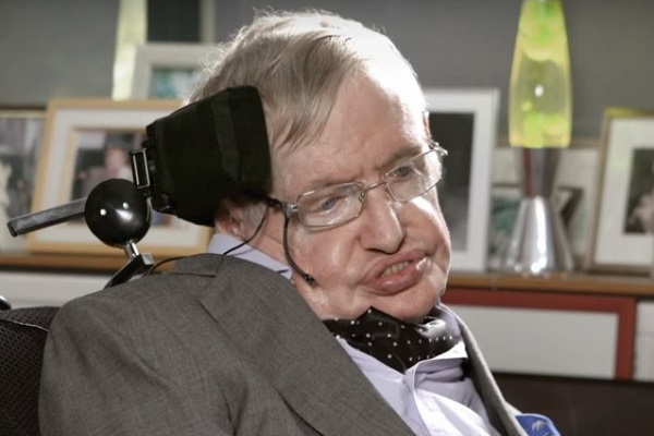 """Стивен Хокинг си замина на денот посветен на бројот """"Пи"""" и денот кога е роден Ајнштајн"""