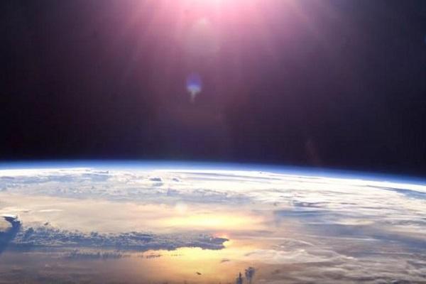 Никој не знае која е причината за чудната дупка во озонот