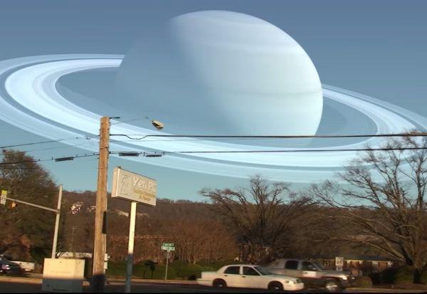 Каков би бил погледот од Земјата ако околу неа кружат други планети?
