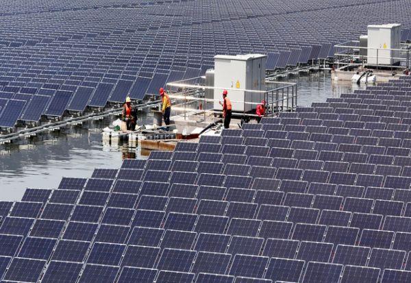 """Холандија гради """"соларни острови"""" за да се бори против зголемувањето на нивото на морето"""