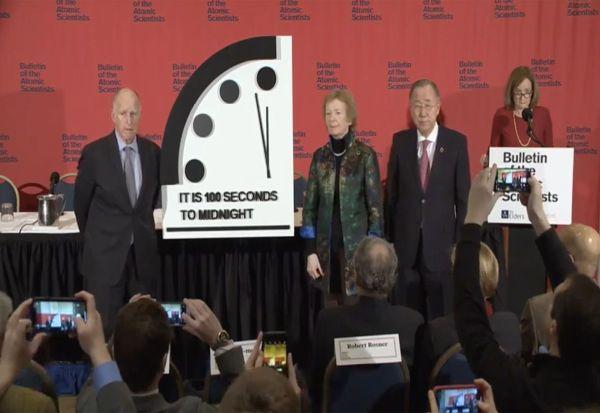 """Лоши вести - """"Часовникот на Судниот ден"""" е 100 секунди до полноќ"""