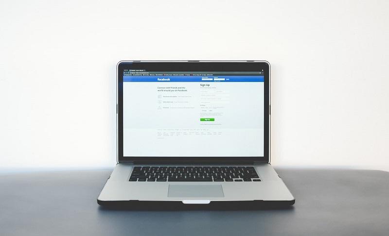 """Кои биле првите корисници на """"Фејсбук""""?"""