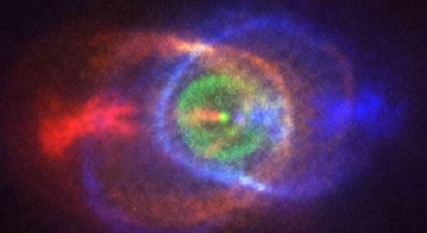 Фотографиja од смртоносен судир помеѓу две ѕвезди
