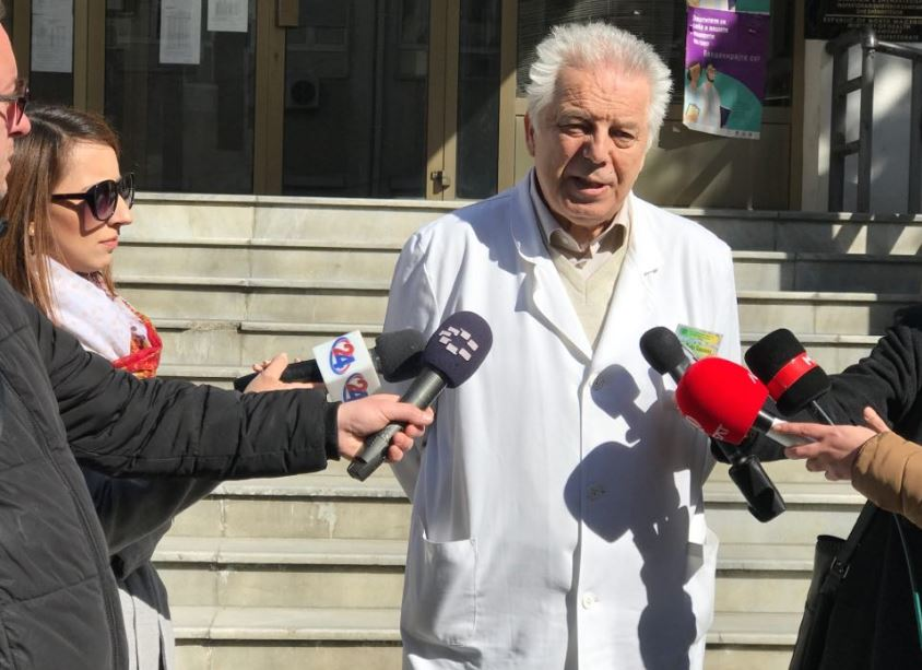 Двајца кинески инженери пристигнаа во Македонија. Немаат симптоми на коронавирус и се под здравствен надзор
