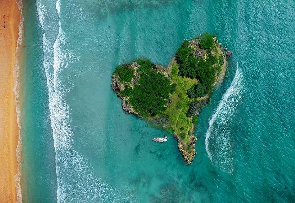 Расте побарувачката за приватни острови и имоти, милијардерите бараат засолниште за време на пандемијата