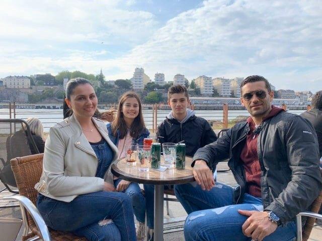 """Kирe Лазаров со семејството во карантин во Франција: Играм со децата """"Не лути се, човеку"""" за да им го пренесам победничкиот менталитет"""