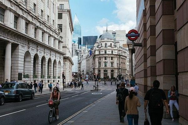 Автомобилите ќе бидат забранети во центарот на Лондон
