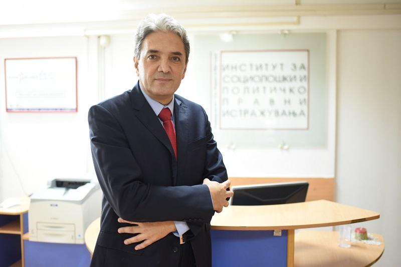 Проф. д-р Петар Атанасов, кандидат за ректор на УКИМ: Професорите и студентите не се ниту клиенти ниту потрошувачи, туку градители на иднината на оваа држава