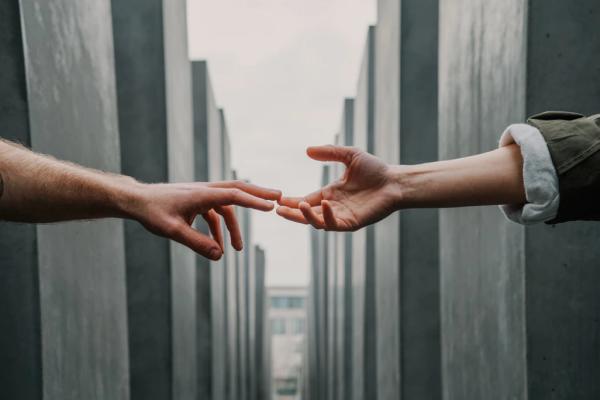 Луѓето сакаат да си помагаат едни на други без оглед на мотивацијата