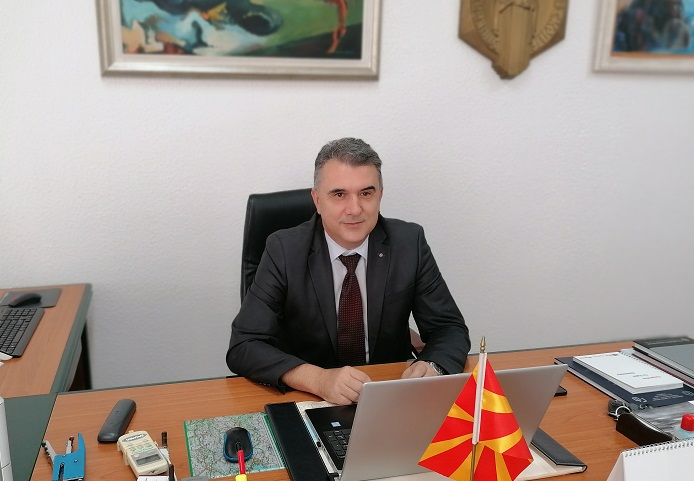 Студентите се најважни во едукативниот циклус кој се одвива на Градежниот факултет, вели деканот проф. д-р Златко Србиноски