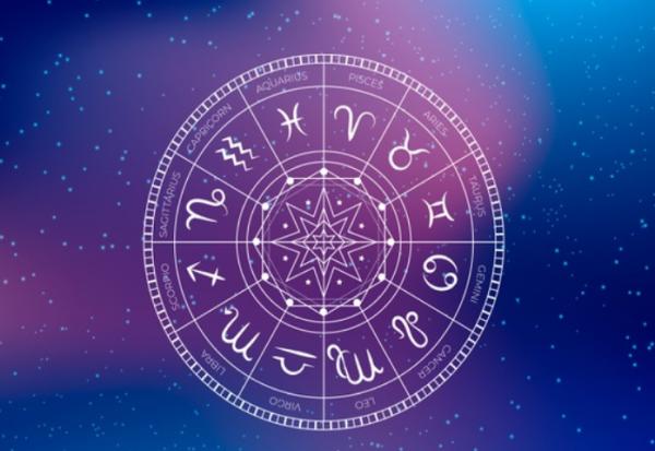 Месечен хороскоп за август 2020 година
