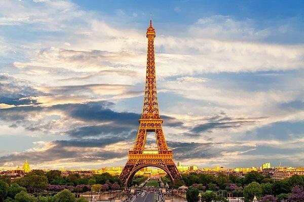 Туристички атракции со најмногу поплаки од посетителите - Ајфеловата кула е на врвот
