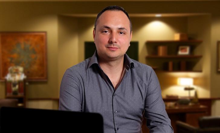"""Приказната на Илија Петковски - несуден ветеринар кој магистрира геологија на """"Сорбона"""" и по 20 години се врати во Скопје"""
