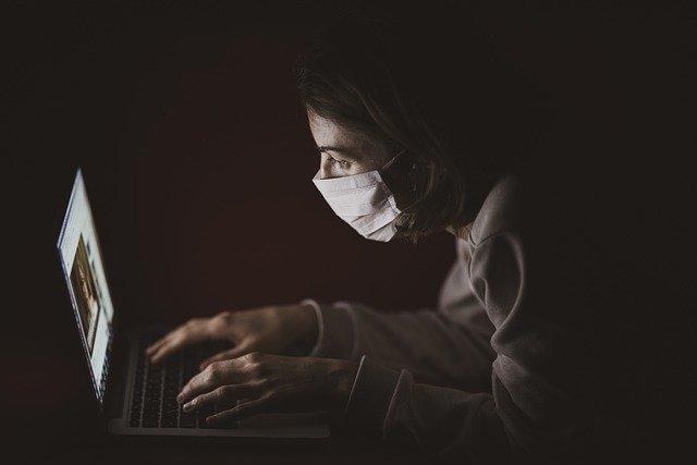 """Лекарка од Панчево преку """"Твитер"""" му го спасила животот на човек заразен со коронавирус"""