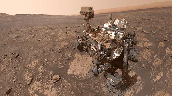 Инженер на НАСА открива како е да се управува со роверот на Марс