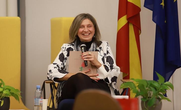 Таква фигура на 20 век како Блаже Конески немаат ни поголемите нации, науки и земји, вели Весна Мојсова-Чепишевска, директорка на Меѓународниот семинар за македонски јазик, литература и култура