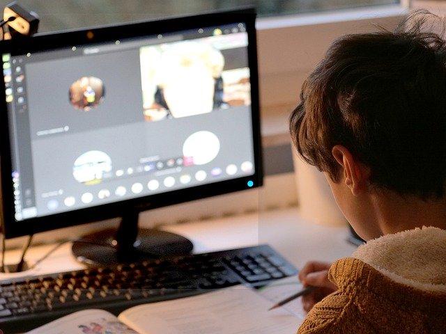 """Успешен старт на едукативната програма за деца """"Интернетот не е само игра... Кликај безбедно!"""" на А1 Македонија"""