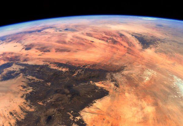 Дали оваа неверојатна фотографија е од планетата Земја или од Марс?