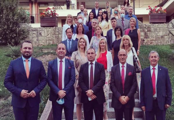 Проректор Марјан Ѓуровски: Да им овозможиме на студентите да го сонуваат македонскиот сон и преку системот на државата да ѝ служат