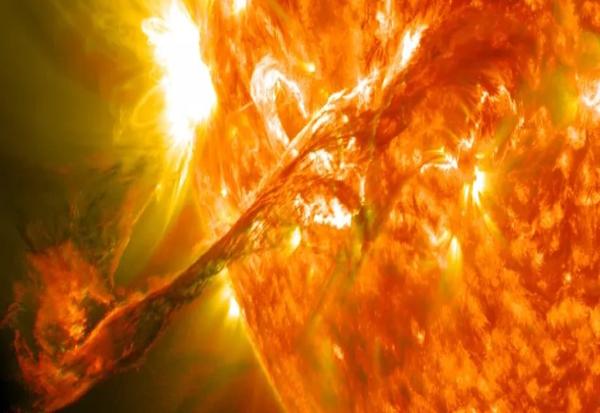 Сончева супербура може да предизвика глобална интернет-апокалипса