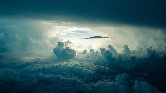 Научници сакаат да ги осветлат облаците за да ги спречат климатските промени