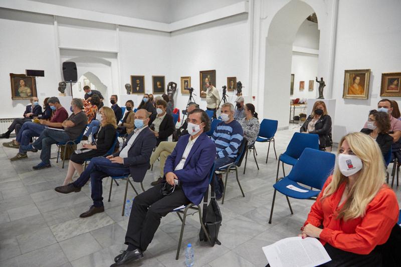 "Наградата ""Прозарт"" доделена на романскиот писател Картареску"